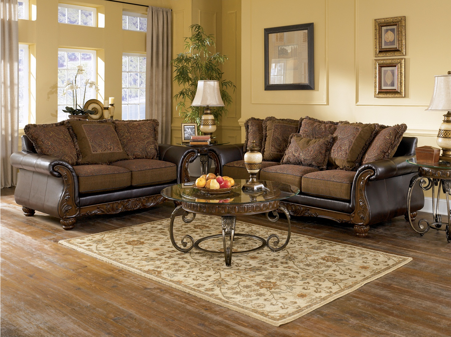 Wilmington Traditional Living Room Furniture Set by Ashley 1467 x 1098