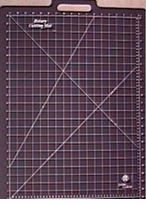 Gridded Rotary Mat With Handle 18inX26in