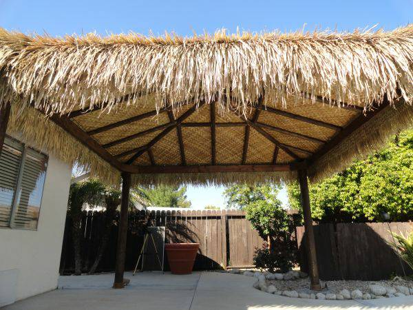 Thatch Roll Materials For Tiki Bar Hut Roof Contruction