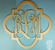 Quatrafoil Bordered Wood Wall Monogram