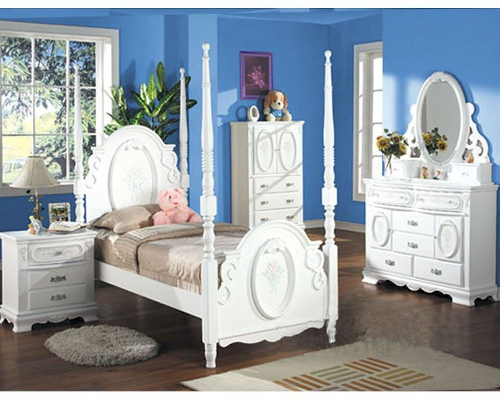 Acme Furniture Bedroom Set In White AC01660TSET