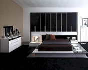 Modern White/ Black Finish Bedroom Set Made in Italy 44B3511