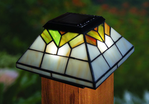 Wellington Solar Post Cap Light Tiffany Style