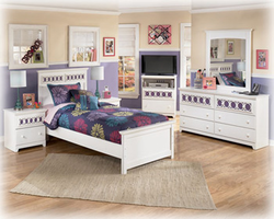 Zayley 3Pc Replicated White Paint Twin Panel Bedroom Set
