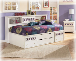 Zayley White Twin Bedside Storage Bed