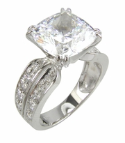 Spiga 5.5 Carat Cushion Cut Cubic Zirconia Split Prong Set Pave Set Solitaire Engagement Ring