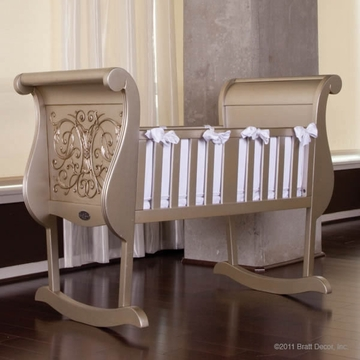 Bratt D�cor Chelsea Collection Cradle - Antique Silver