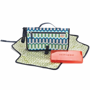 Skip Hop Pronto Changing Station - Jonathan Adler - Chevron Blue