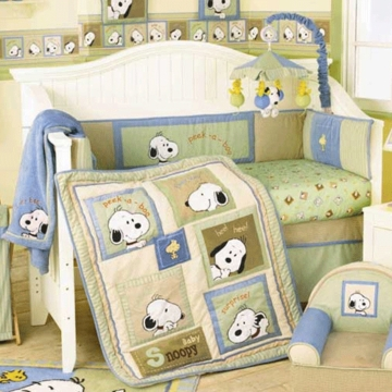 Lambs & Ivy Peek A Boo Snoopy 4 Piece Crib Bedding Set