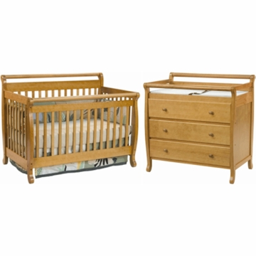 DaVinci Emily 4 in 1 Convertible Crib with Toddler Rail & 3 Drawer Changer 2 Piece Nursery Set in Oak