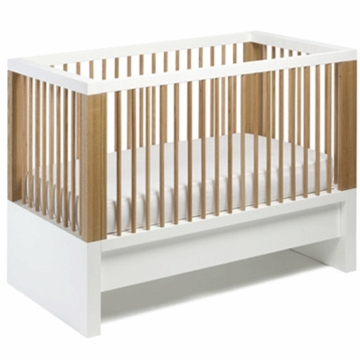 Maclaren Nursery Cabine Crib in Natural Oak by David Netto