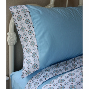 Caden Lane Big Kid Twin Sheet Set in Modern Vintage Blue