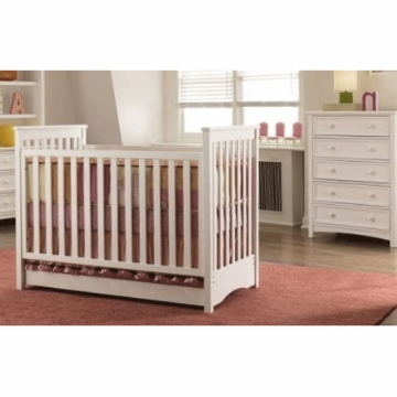 Bonavita Peyton Classic 2 Piece Nursery Set in Classic White - Classic Crib & 5 Drawer Dresser