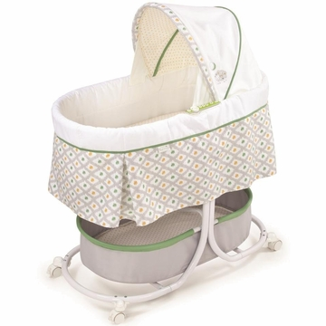 Summer Infant Modern Bassinet with Motion