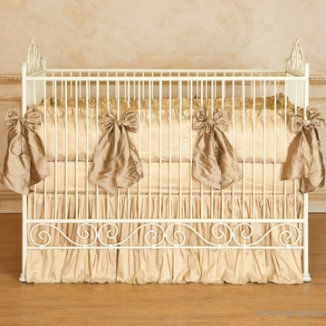 Bratt D�cor Heirloom Iron Collection Casablanca Crib - Antique White