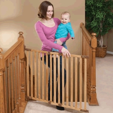 Kidco Angle Mount Wood Safeway Gate - Oak
