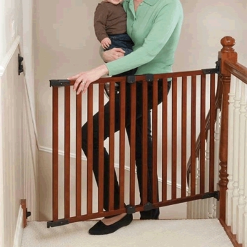 Kidco Angle Mount Wood Safeway Gate - Cherry