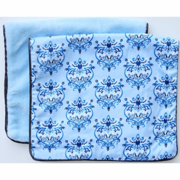 Caden Lane 2 Piece Burp Set in Blue Damask