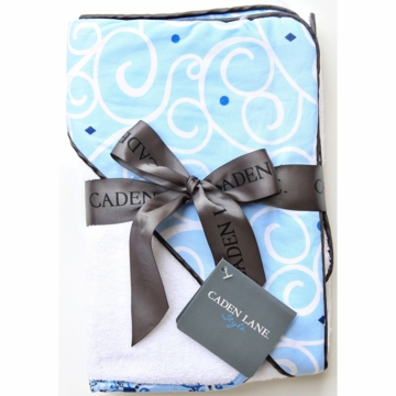 Caden Lane Hooded Towel Set in Blue Light Swirl