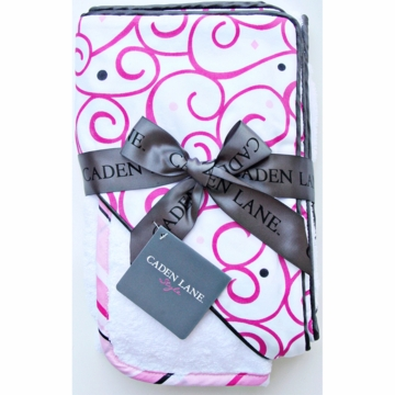 Caden Lane Hooded Towel Set in Pink Dark Swirl