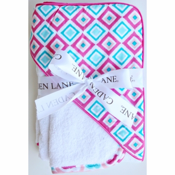 Caden Lane Hooded Towel Set in Pink Diamond
