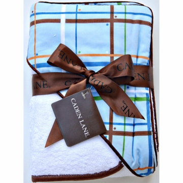 Caden Lane Hooded Towel Set in Plaid