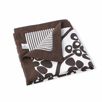 Oilo Modern Berries Play  Blanket in Brown