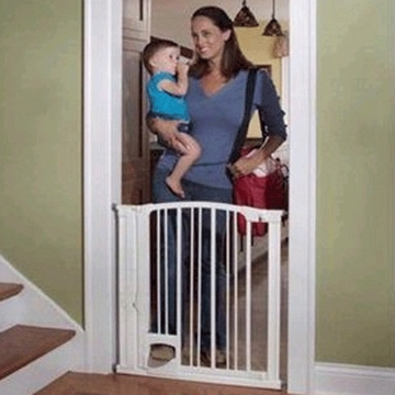 Kidco Pinnacle Gateway Hands Free Safety Gate
