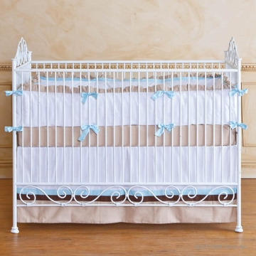 Bratt D�cor Heirloom Iron Collection Casablana Crib - Distressed White