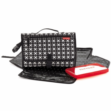 Skip Hop Pronto Changing Wallet in Black Geo
