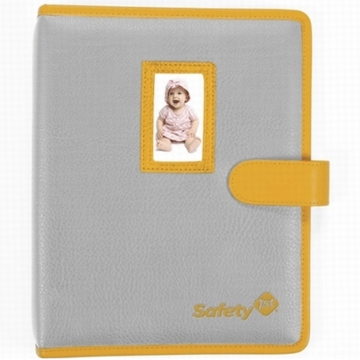 Safety 1st For the Record Baby Health Journal & 18 Piece Grooming Kit
