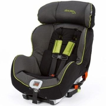 The First Years C650 True Fit Recline Convertible Car Seat in Abstract O's