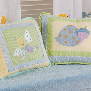 KidsLine Snug As A Bug Throw Pillows