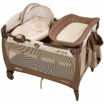 Graco Pack N Play with Newborn Napper in Classic Pooh