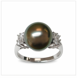 Cyrus a Black Tahitian South Sea Pearl Ring