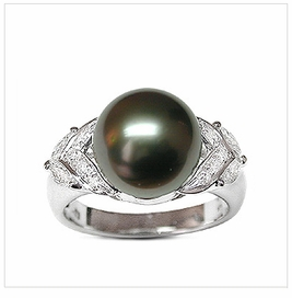 Elaine a Black Tahitian South Sea Cultured Pearl Ring