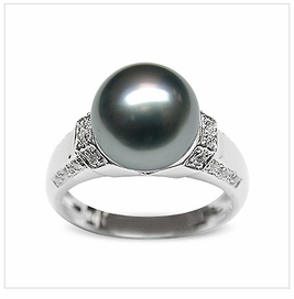 Feronia a Black Tahitian Cultured Pearl Ring