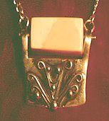 <b>Contemplation Pendant</b>