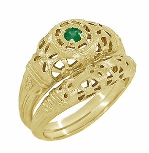 Art Deco Filigree Emerald Ring in 14 Karat Yellow Gold - Item R428YE - Image 4