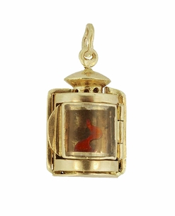 Moveable Vintage Lantern Charm in 18 Karat Yellow Gold - Click to enlarge