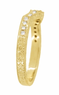 Antique Style Loving Hearts Contoured Art Deco Engraved Wheat Diamond Wedding Ring in 18 Karat Yellow Gold - Item WR459Y - Image 3