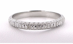 Edwardian Flowers and Bows Antique Wedding Ring in 18 Karat White Gold - Size 6 1/4 - Click to enlarge
