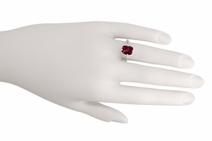 Art Deco Flowers and Leaves Rhodolite Garnet Filigree Ring in 14 Karat White Gold - Item R289 - Image 2