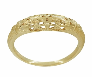 Art Deco Filigree Wedding Ring in 14 Karat Yellow Gold - Item WR428Y - Image 1
