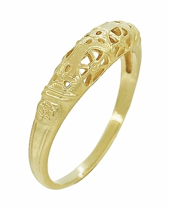 Art Deco Filigree Wedding Ring in 14 Karat Yellow Gold - Item WR428Y - Image 2