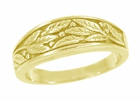 Engraved Olive Leaves Ring in 14 Karat Yellow Gold - Men's Version