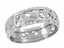 Edwardian Flowers and Hearts Scalloped Filigree Wedding Band in 14 Karat White Gold - Size 8