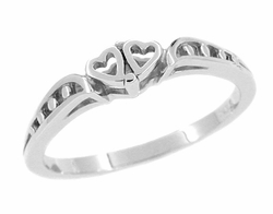 Cuddling Sweet Hearts Filigree Ring in 14 Karat White Gold