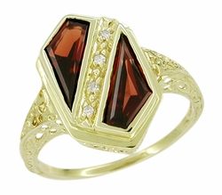 Art Deco Pyrope Garnet Shield Filigree Ring in 14 Karat Yellow Gold