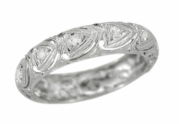 Art Deco Diamonds Antique Wedding Band in Platinum - Size 5 1/4